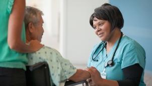 HC_nurse-patient3